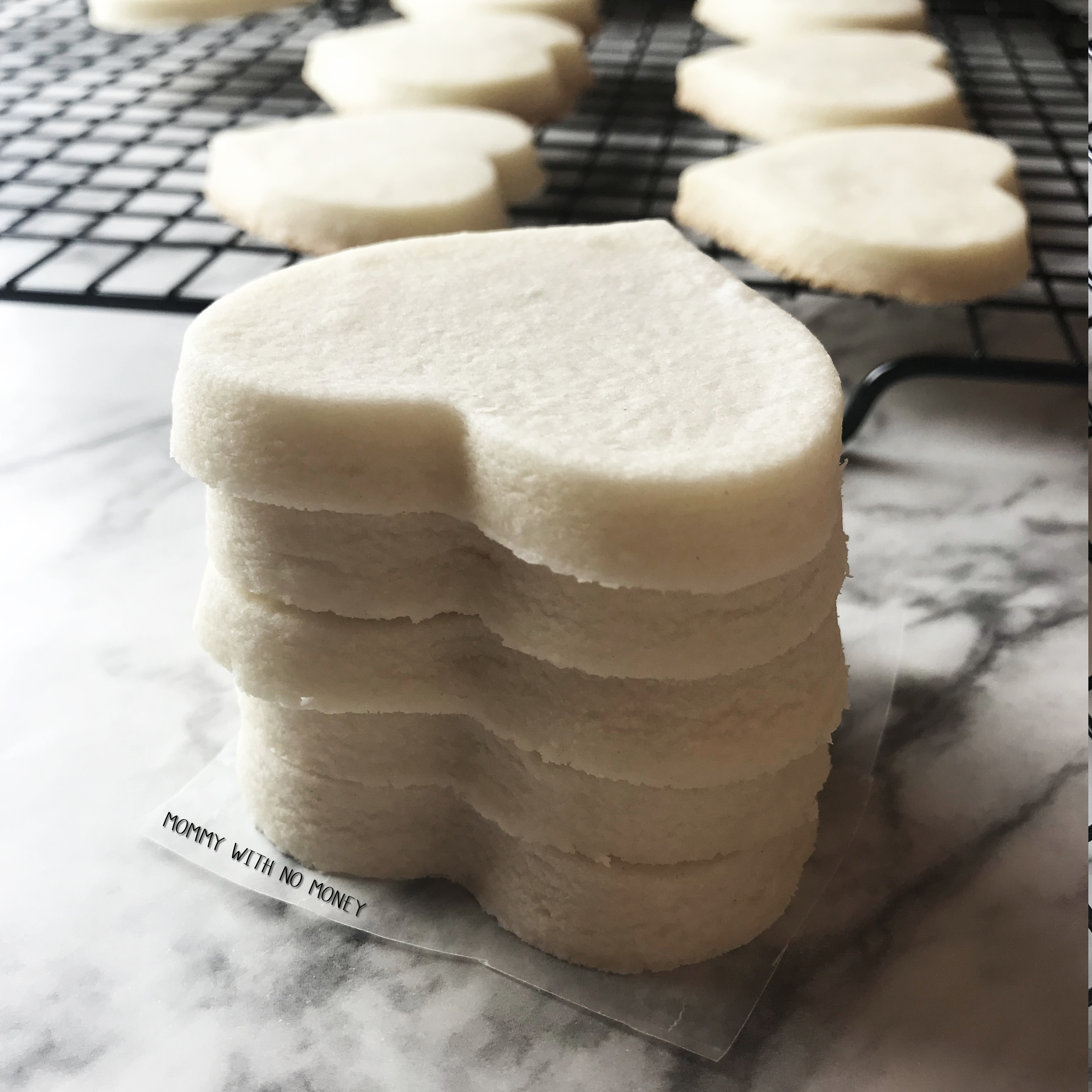 4 Ingredient Shortbread Cookie on Mommy with No Money